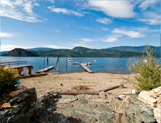 Carmel Beach Private Lodges #09 - 4 Bdrm Lake Side - Shuswap
