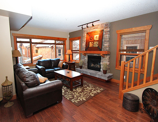 Carmel Cove Resort #12 - 3 Bdrm Lake View - Shuswap
