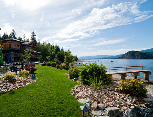 Carmel Cove Resort #13 - 3 Bdrm Lake View - Shuswap