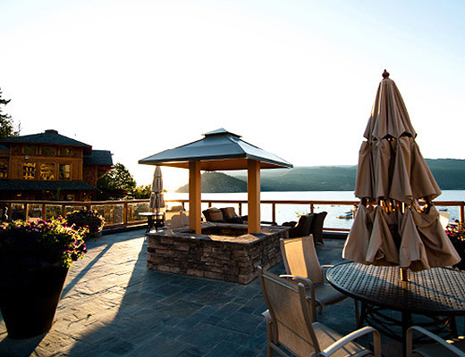 Carmel Beach Private Lodges #15 - 3 Bdrm Lake View - Shuswap
