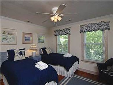 Flag Street 1851-A - 3 Bdrm - Isle Of Palms