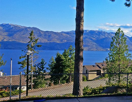 Paradise Lake View - 4 Bdrm + Loft w/ Pool HT - West Kelowna