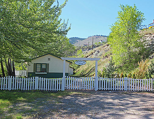 Shaughnessy Cottage - 2 Bdrm - Summerland