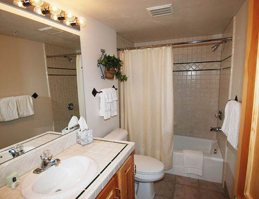 Black Bear Lodge #302 - 2 Bdrm Silver HT - Deer Valley