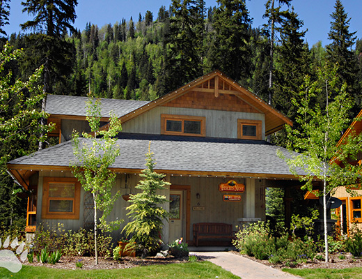 Fairway Cottage #6 - 3 Bdrm HT - Sun Peaks (TM)