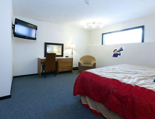Bulldog Hotel - 1 Bdrm + Alcove - Silver Star