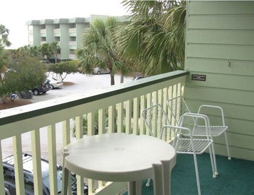 Sea Cabin 228-B - 1 Bdrm + Den - Isle of Palms