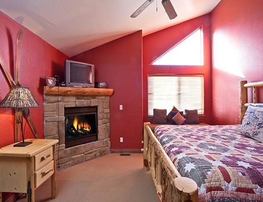 Bear Hollow Village - 5 Bdrm + Den Gold HT - The Canyons