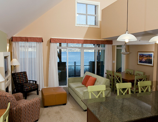 Summerland Waterfront Resort - 2 Bdrm Bluffview - Summerland