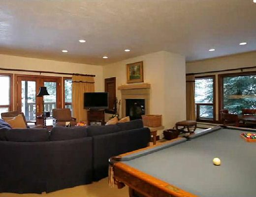 Pinesong Retreat - 8 Bdrm HT - Beaver Creek