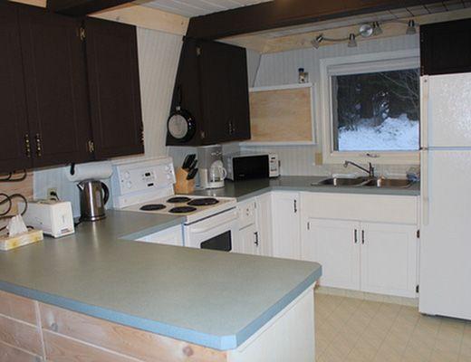 Canadas Cabin - 2 Bdrm - Silver Star