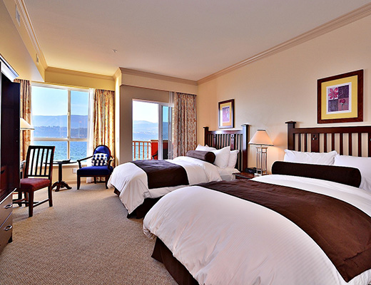 Manteo Resort - Deluxe Guestroom - Lakeside - Kelowna