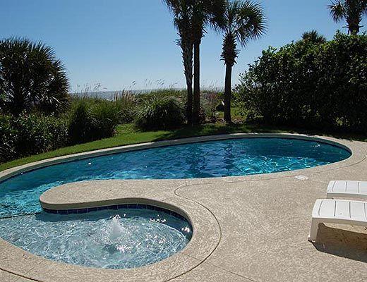 4 Sea Spray - 4 Bdrm w/Pool - Hilton Head