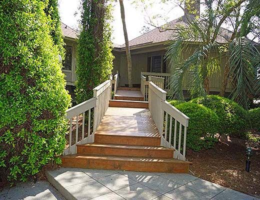 7 Dinghy - 3 Bdrm + Den w/Pool - Hilton Head