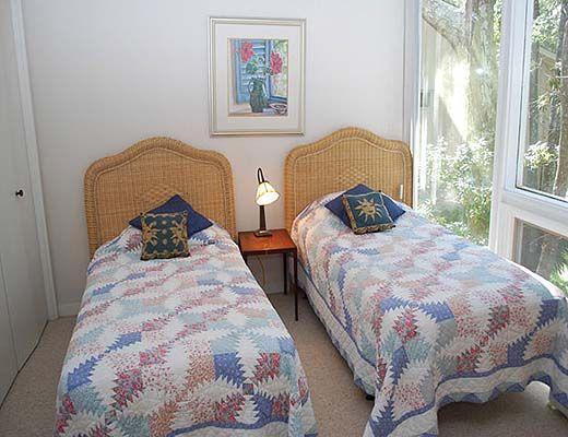 122 Mooring Buoy - 4 Bdrm + Den w/Pool HT - Hilton Head