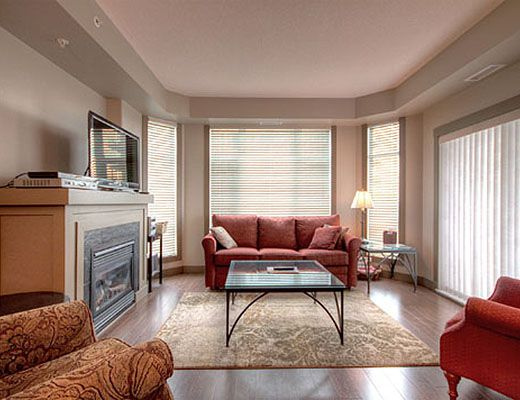Sunset Waterfront Resort - #702 - 2 Bdrm - Kelowna (KRA)