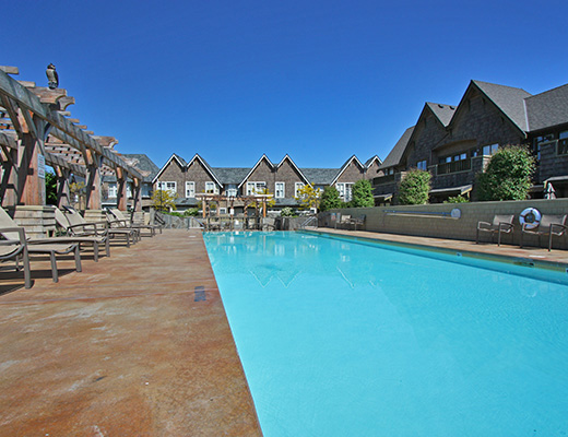 Mission Shores - Terrace Suite - Beachfront - 3 Bdrm + Den - Kelowna