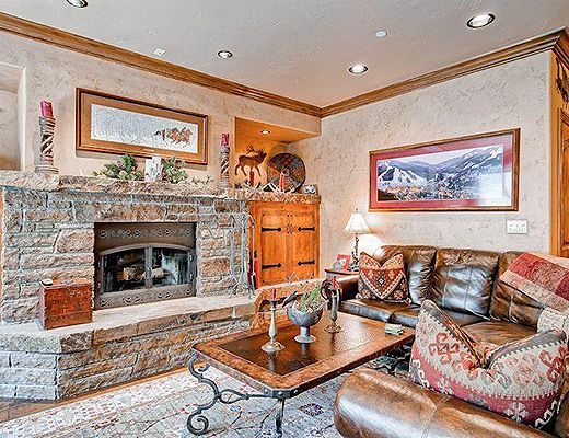 Highlands Slopeside #206 (4.5 Star + Ski Access) - 3 Bdrm - Beaver Creek