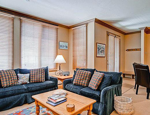 Highlands Slopeside #208 - 3 Bdrm (3.0 Star + Ski Access) - Beaver Creek