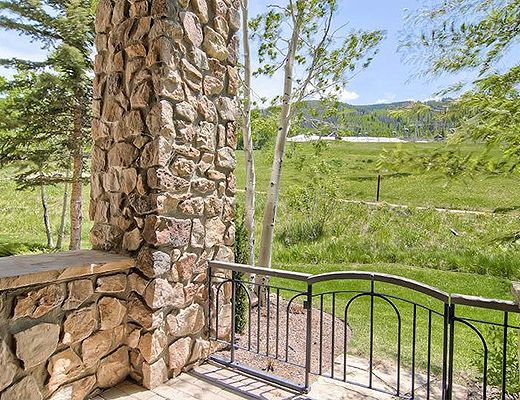 Highlands Slopeside #212 - 3 Bdrm (3.5 Star + Ski Access) - Beaver Creek