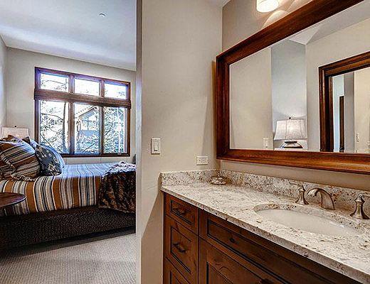 Highlands Westview #305 - 3 Bdrm + Loft  (4.0 Star) - Beaver Creek