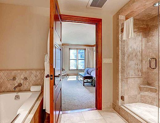 hardwood floors bathroom residences at park hyatt 2054 3 bdrm platinum beaver 13083