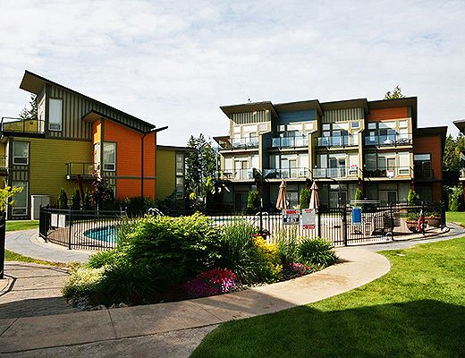 Shuswap Lake Resort #13 - 2 Bdrm w/ Boat Slip - Shuswap