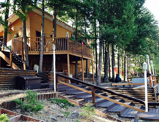 The Hobin Lakefront Cottage - 2 Bdrm - Twin Lakes Kaleden