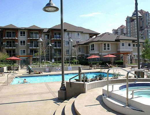 Waterscapes #321 - 2 Bdrm + Den - Kelowna (KRA)