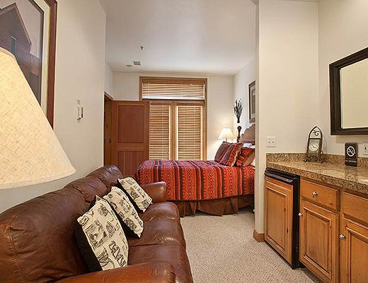 Lift Lodge #103 - 2 Bdrm - Park City