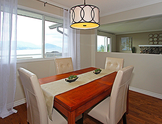 Lakeview Family Living - 4 Bdrm w/ Pool - Kelowna (CVH)