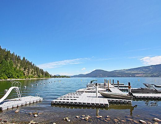 La Casa Lakeside Cottage Resort - Kelowna