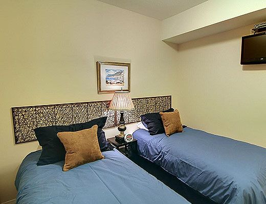 Discovery Bay Resort - #505 - 1 Bdrm + Den - Kelowna (KG)