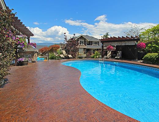 Elevation Estate - 4 Bdrm w/ Pool HT - Kelowna (CVH)