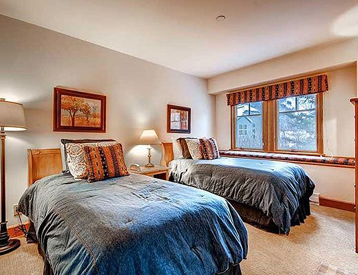 Meadows Townhomes A5 - 3 Bdrm + Den (3.5 Star) - Beaver Creek