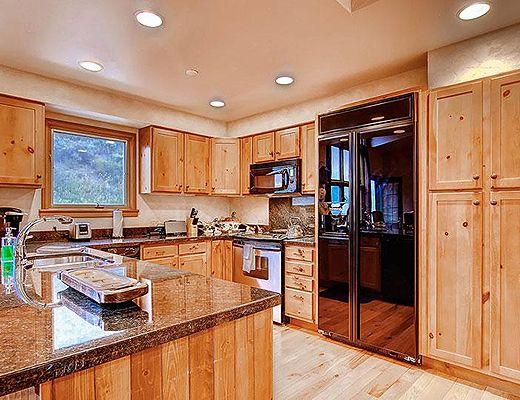 Meadows Townhomes N4 - 3 Bdrm + Den (4 Star) - Beaver Creek