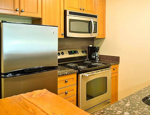 Snow Creek Lodge #305 - 1 Bdrm (Premium) - Fernie