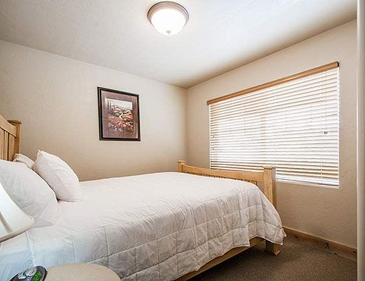 Fox Pointe A1 - 2 Bdrm - The Canyons (CL)