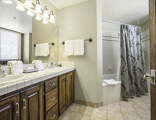 Black Bear Lodge #201 - 2 Bdrm Platinum HT - Deer Valley