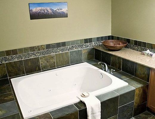 Pinnacle Ridge Chalet (Bear) #43-103 - 3 Bdrm HT - Fernie (10)