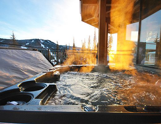 Moosehead Lodge - 4 Bdrm + Den HT - Sun Peaks (TM 15)