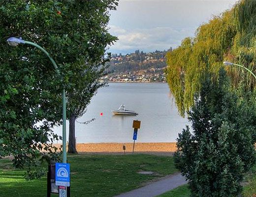 Lake Front Escape - 2 Bdrm w/ Pool - Kelowna