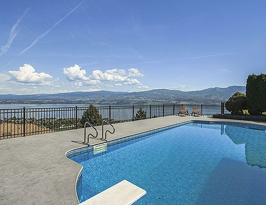Illustrious Pool Home - 5 Bdrm w/ Pool HT - West Kelowna (CVH)