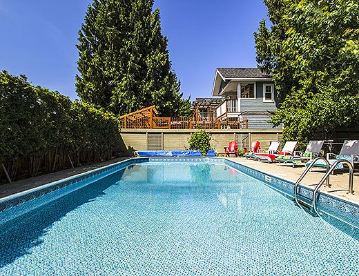 Downtown Pool Home - 4 Bdrm + 1 Bdrm Guest House w/ Pool - Kelowna