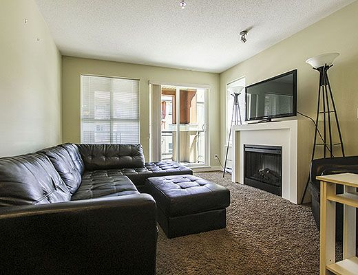 Waterscapes #318 - 1 Bdrm + Den - Kelowna