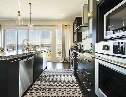 Cloud Nine - 4 Bdrm w/ Pool - West Kelowna (CVH)