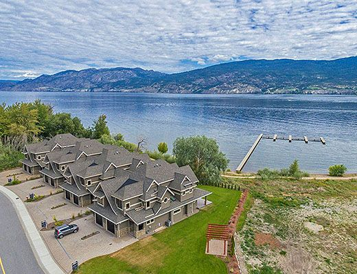 Executive Waterfront Townhome #2 - 3 Bdrm - Summerland (CVH)