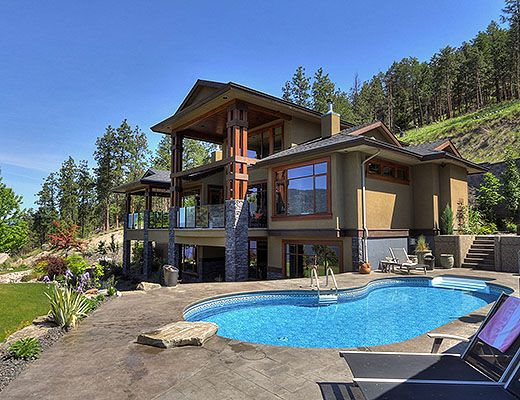 Lakeview Estate - 3 Bdrm w/ Pool HT - Kelowna