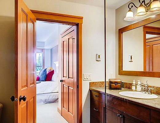 Snowbird Lodge 304 - 3 Bdrm HT - Big White