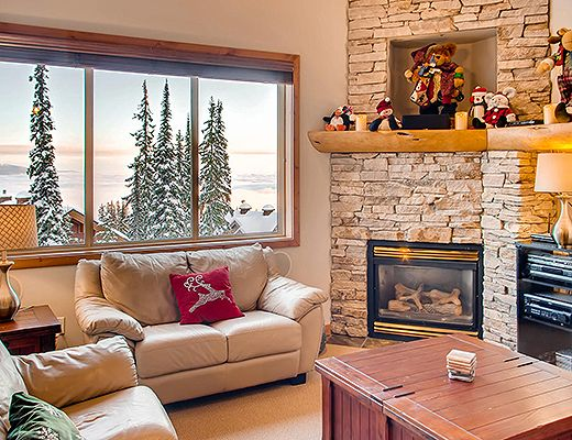 Snowy Creek #8 - 3 Bdrm + Loft HT - Big White